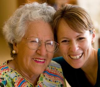 caregiver recognizing symptoms of Alzheimer's disease