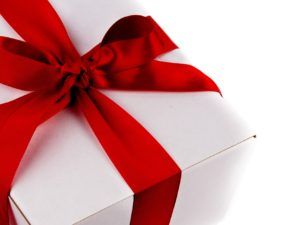 Choosing Holiday Gifts for People Who Have Alzheimer's and Dementia