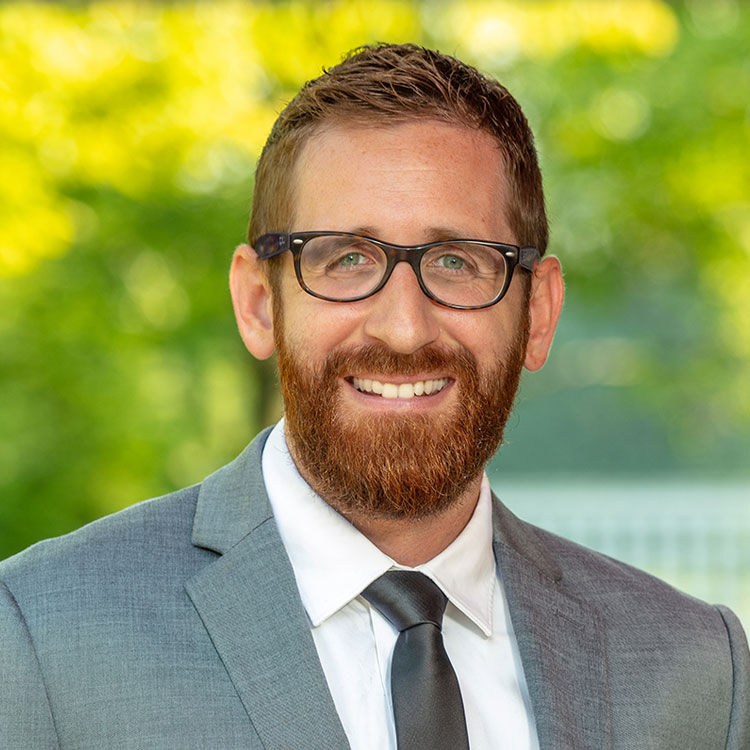 Portrait of Andrew Dreckshage, Leasing Counselor